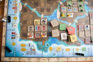 Murano - Spielplan und Gebäudestapel